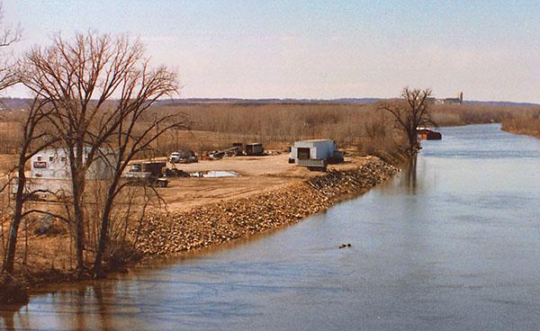 1980 –U.S. Salt begins development of a barge unloading facility on the Minnesota River Mile Marker 11.1.